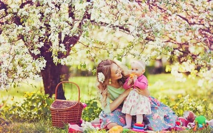 Песенка для мам «Наступает праздник наших мам»
